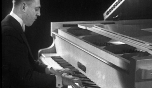 Billy Mayerl playing the Challen in 1935